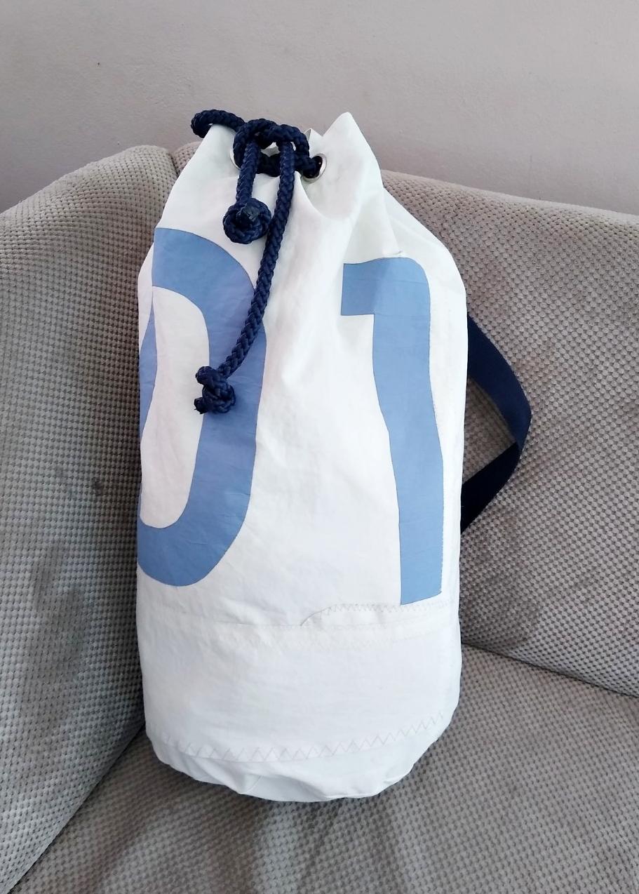 worek żeglarski z prawdziwegworek dla żeglarza worek żeglarski z prawdziwego żagla, oryginalny żagiel