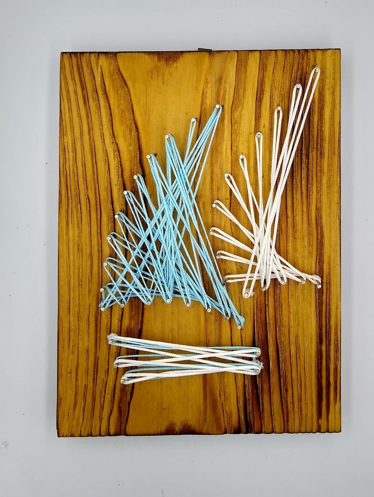 żaglówka string art